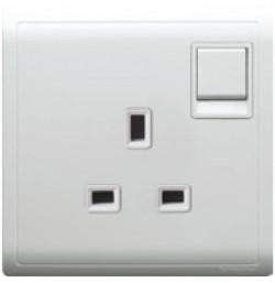13A 3 Pin Flat Switched Socket