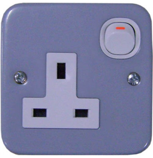 13A 3 Pin Flat Switched Socket